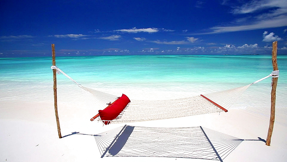Hammock on a tropical beach, Maldives, Indian Ocean - 795-532
