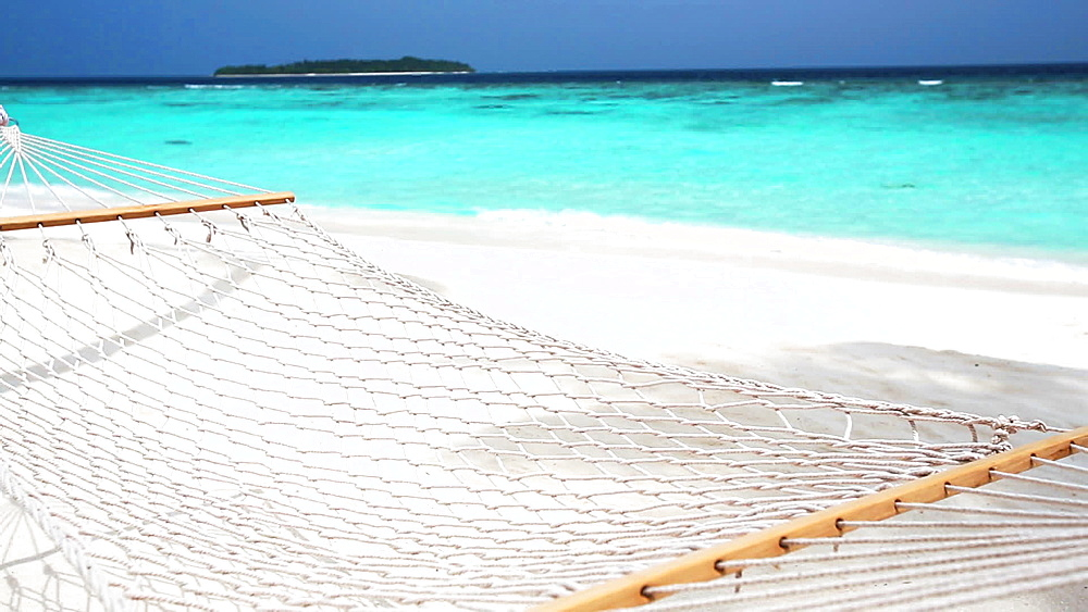 Hammock on white sandy beach and lagoon, Maldives, Indian Ocean - 795-575