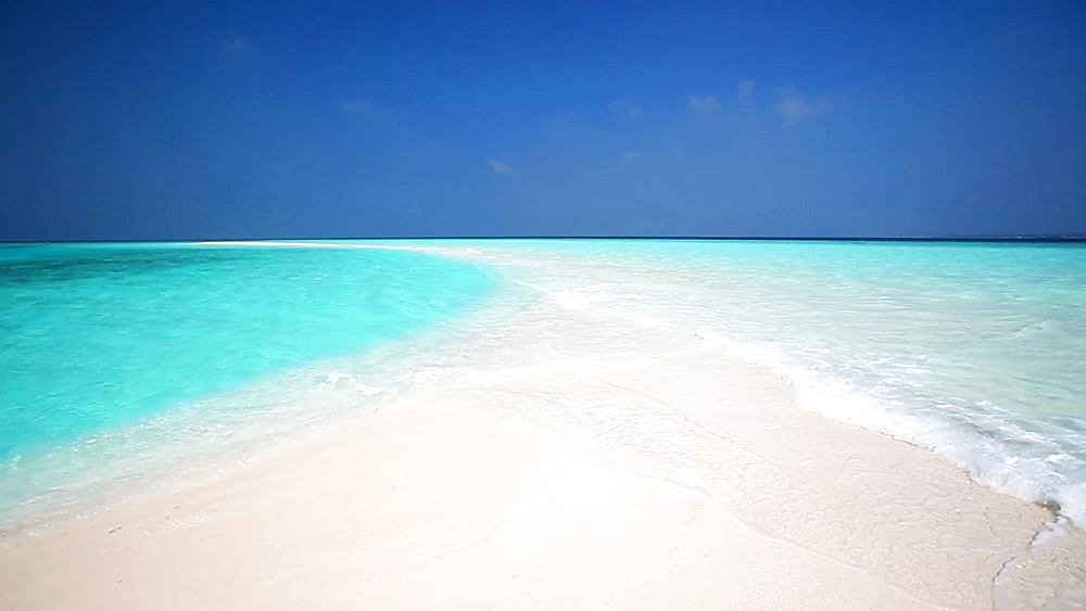 Sandbank and tropical lagoon, Maldives, Indian Ocean - 795-577