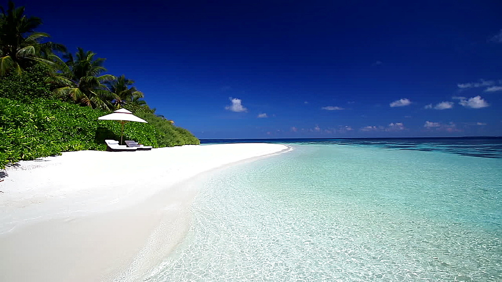 white sand tropical beach and sun loungers, maldives - 795-591