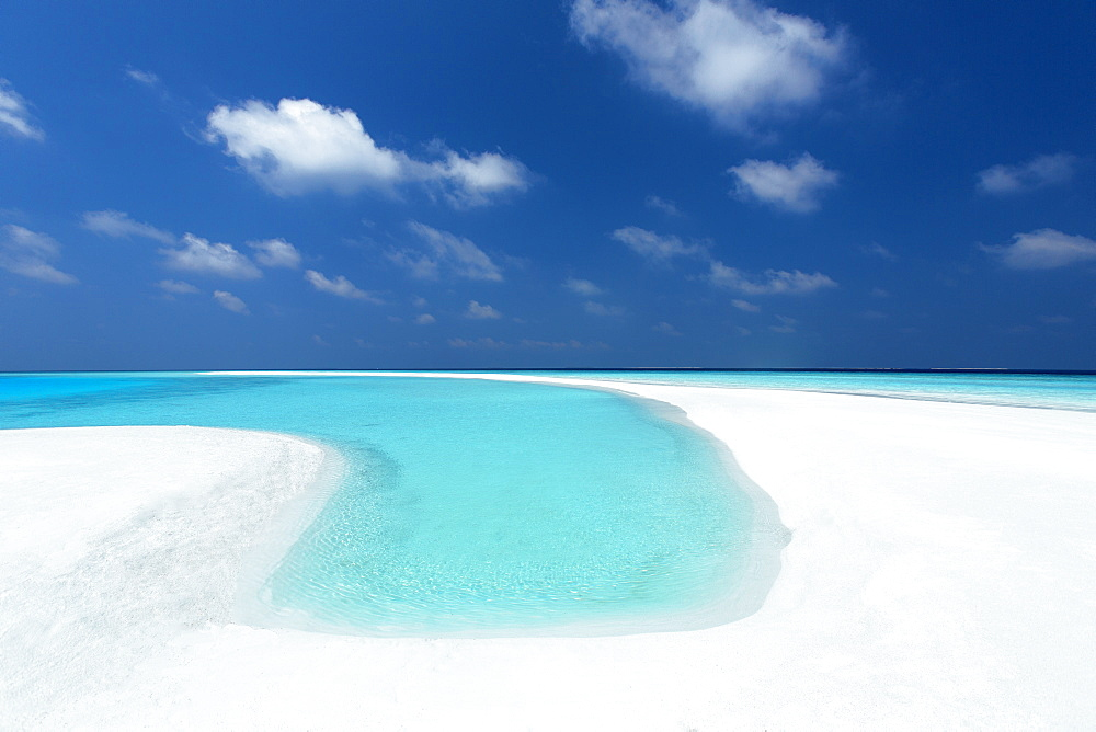 Sandbank and tropical lagoon, Maldives, Indian Ocean, Asia - 795-597