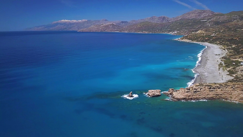 Triopetra consists of two beaches, which are separated by a small peninsula. At the edge of the peninsula, in the sea, three majestic rocks rise. Triopetra?is named after these rocks, since it means ?Three Rocks?. - 795-601