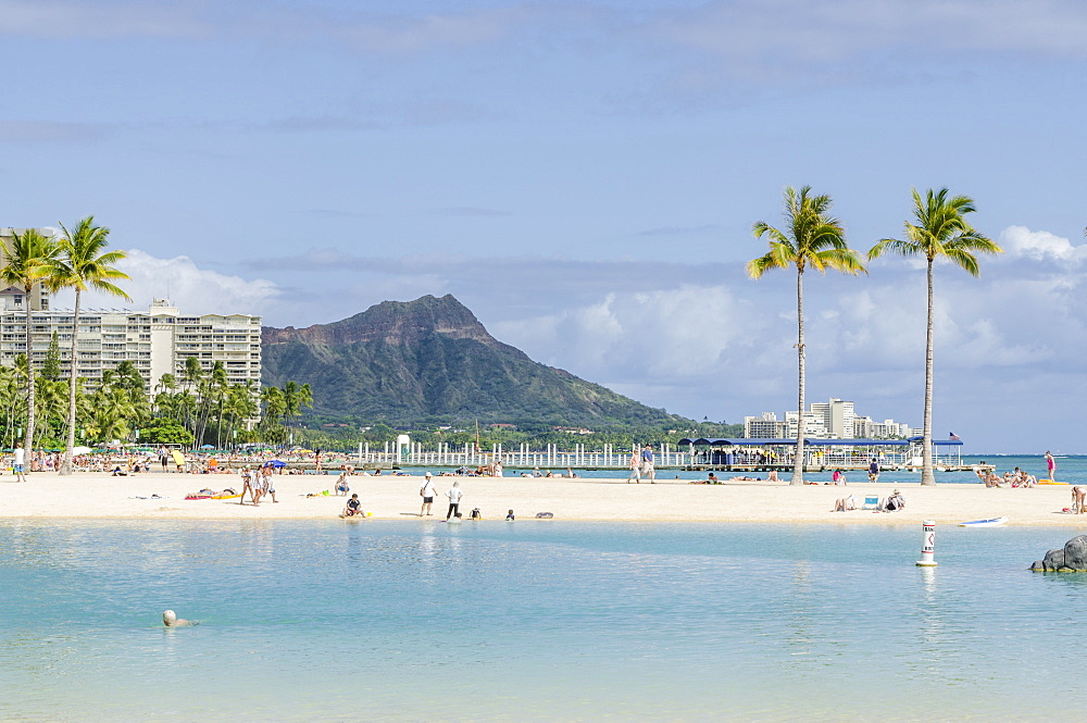 Waikiki Beach and Diamond Head, Waikiki, Honolulu, Oahu, Hawaii, United States of America, Pacific