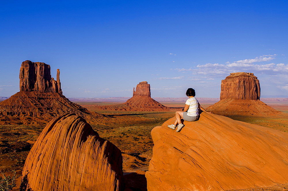 Monument Valley Navajo Tribal Park, Monument Valley, Utah, United States of America, North America - 796-2262
