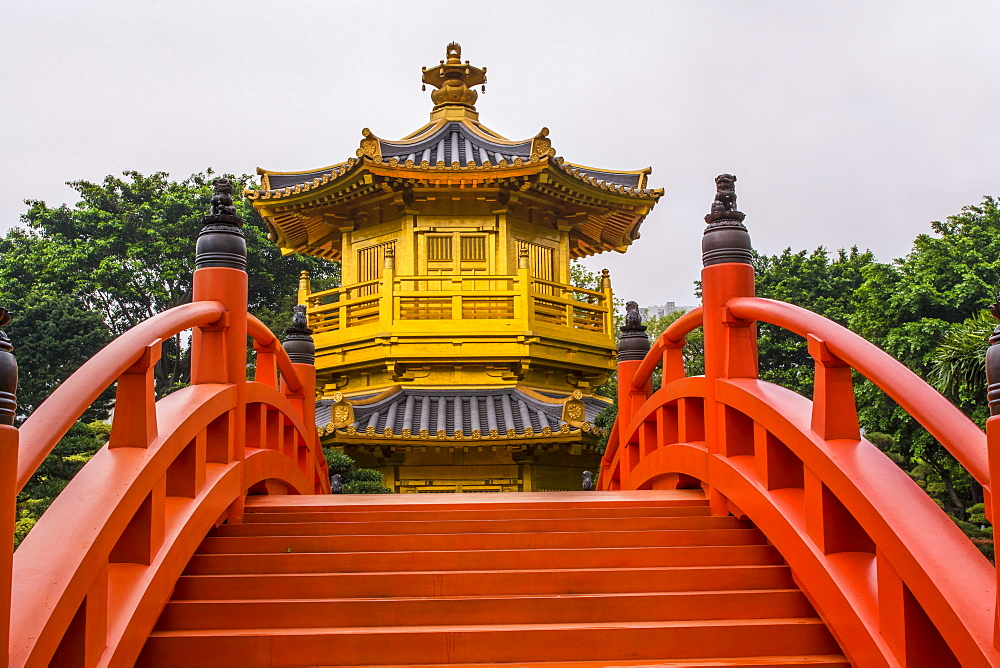 The pagoda at the Chi Lin Nunnery and Nan Lian Garden, Kowloon, Hong Kong, China, Asia - 796-2418
