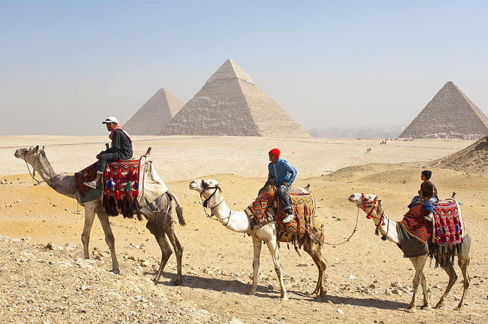 The Pyramids, Giza, UNESCO World Heritage Site, near Cairo, Egypt, North Africa, Africa