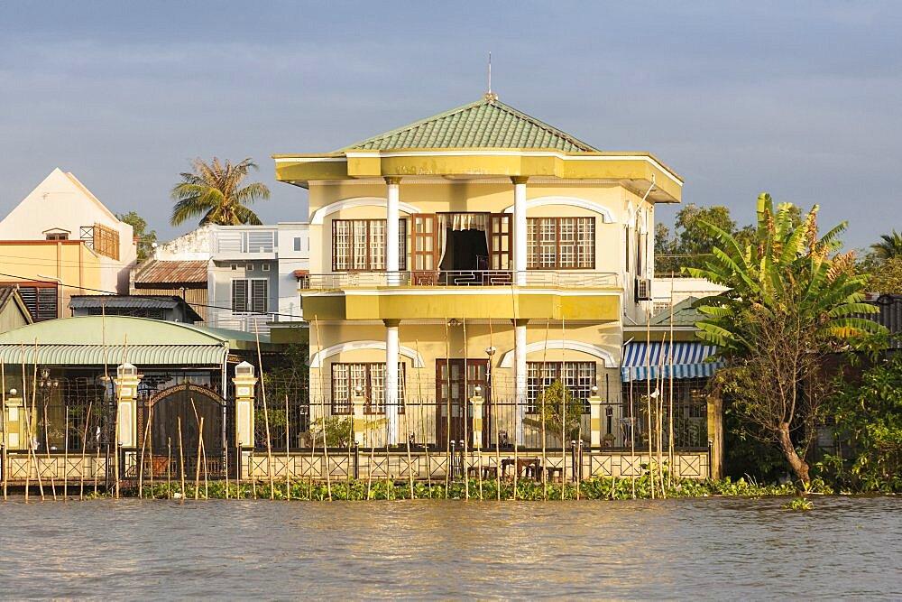 Vietnam, Mekong Delta, Opulent riverside home near Cai Rang and Can Tho.