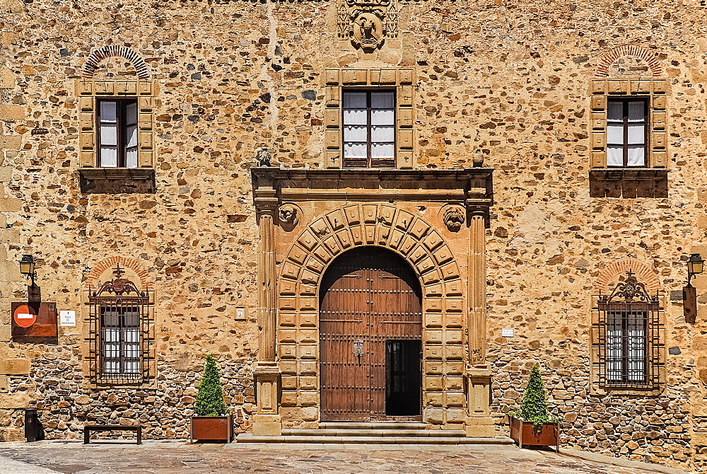 Spain, Extremadura, Caceres, Facade of the Palacio Episcopal or Bishops Palace.