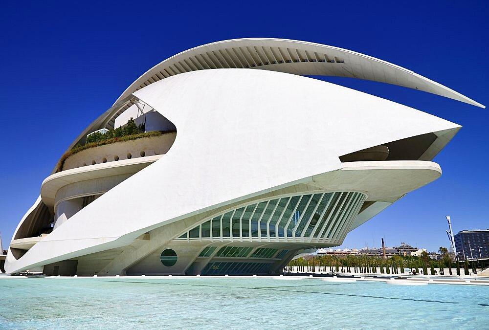 Spain, Valencia Province, Valencia, La Ciudad de las Artes y las Ciencias, City of Arts and Sciences, Palau de les Arts Reina Sofa, Opera house and cultural centre.