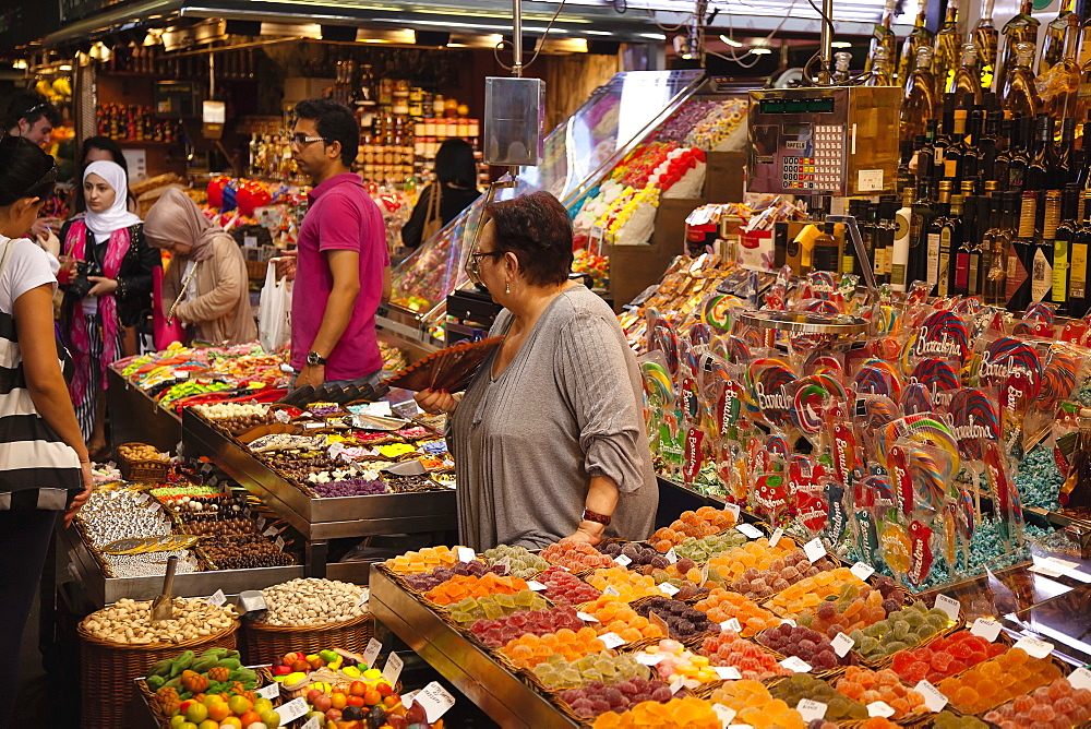 Spain, Catalonia, Barcelona, Interior of La Boqueria market on La Rambla.