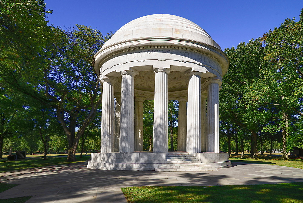 USA, Washington DC, National Mall, District of Columbia War Memorial consisting of a circular peristyle Doric temple.