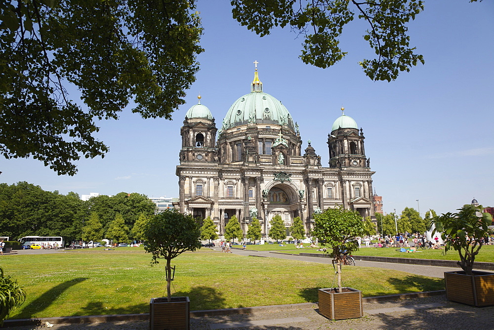 Germany, Berlin, Mitte, Berliner Dom Cathedral.