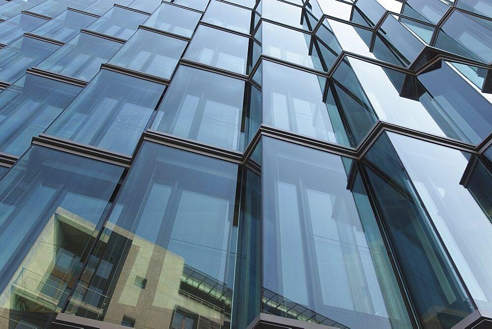 Germany, Berlin, Mitte, Modern office building in Wilhelmstrasse,