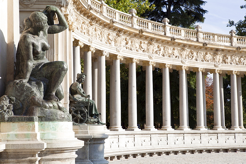 Spain, Madrid, Detail of the monument to Alfonso XII at the Retiro.