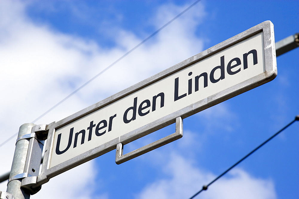 Germany, Berlin, Mitte, Roadsign for Unter den Linden. - 797-12750