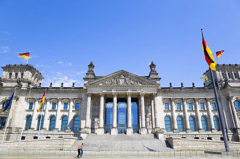 Germany, Berlin, Mitte, The Reichstag building in Tiergarten.