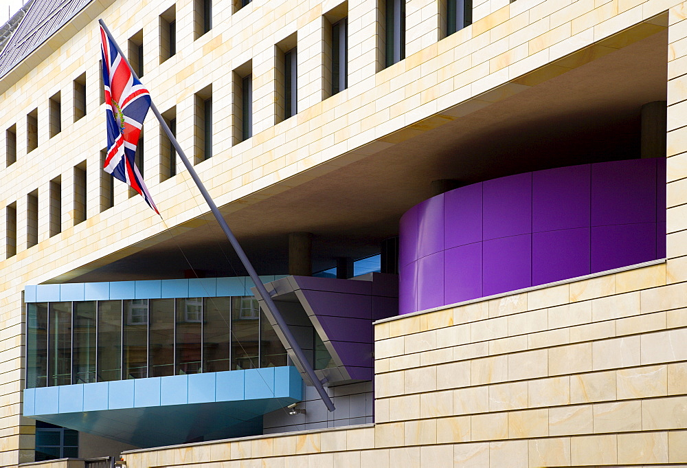 Germany, Berlin, Mitte, front of The British Embassy with Union flag on Wilhelmstrasse by architects Michael Wilford and Partners.