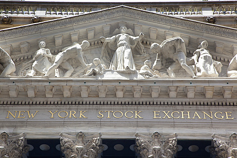 USA, New York State, New York City, Manhattan, Exterior of the Stock Exchange on Wall Street. - 797-12835