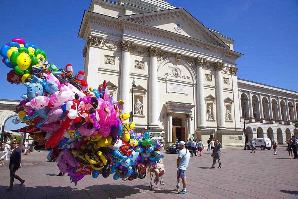 Poland, Warsaw, Old Town, Krakowskie Przedmiescie, Balloon Vendor.