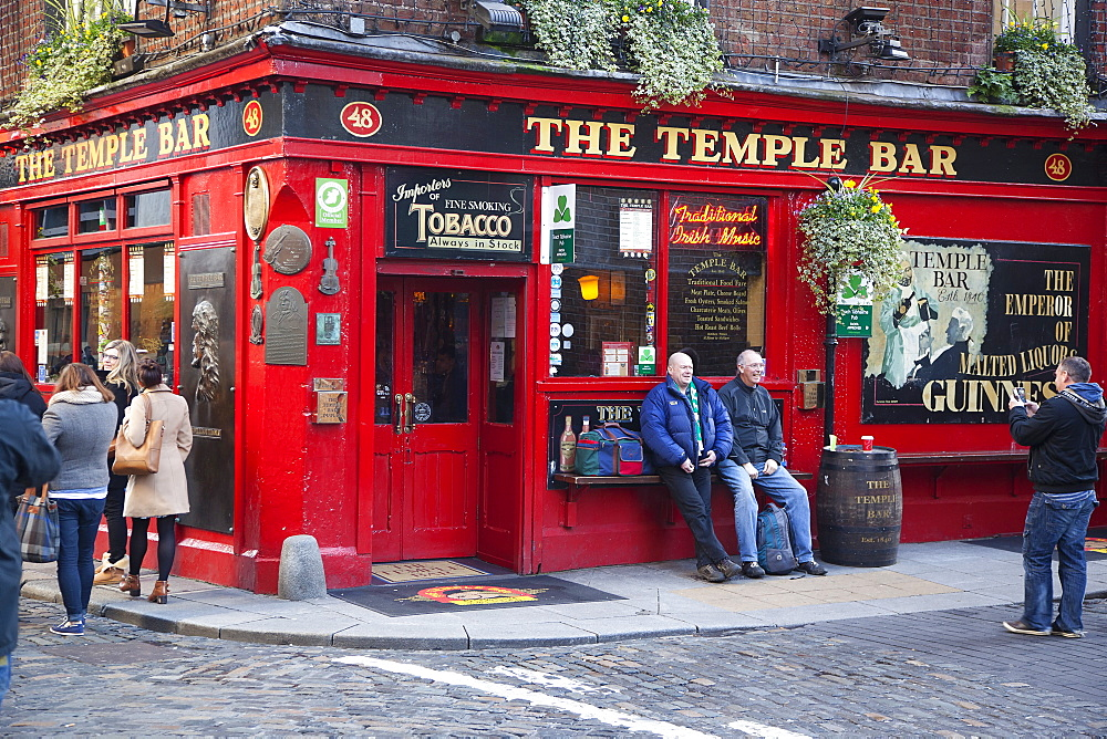 Ireland, Dublin, Temple Bar, Exterior of the Temple Bar on the corner of Essex Street and Temple Lane East.