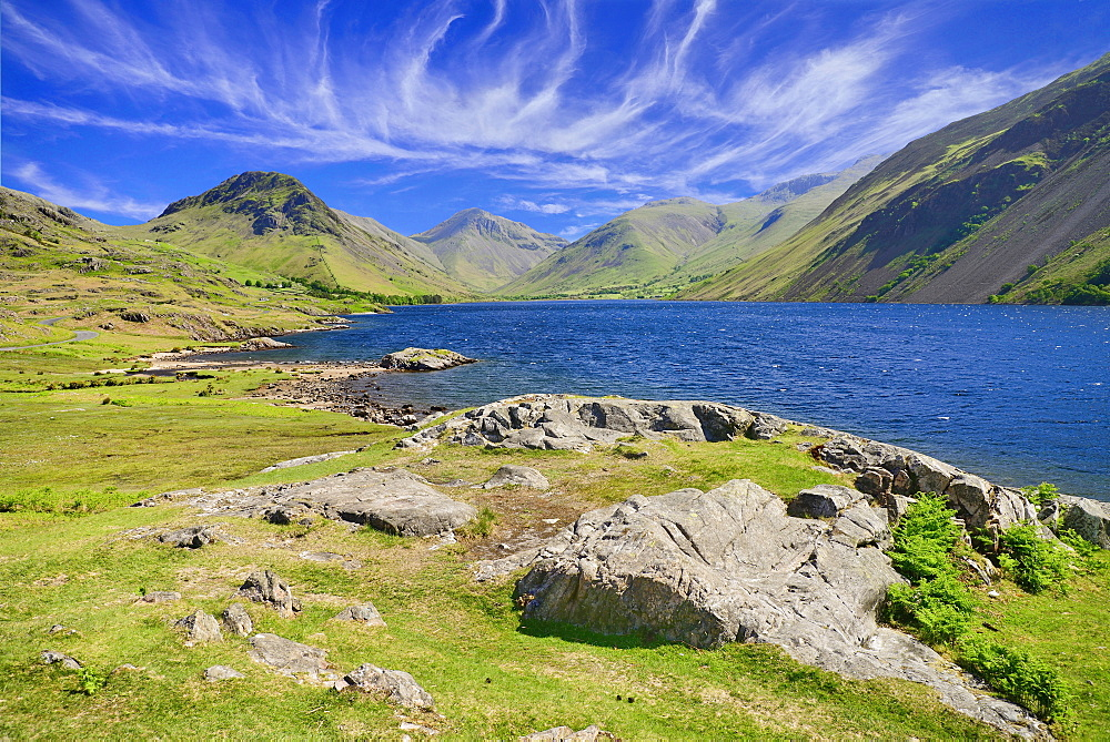 England, Cumbria, English Lake District, Wastwater with Great Gable and Scafell Pike mountains in the background.