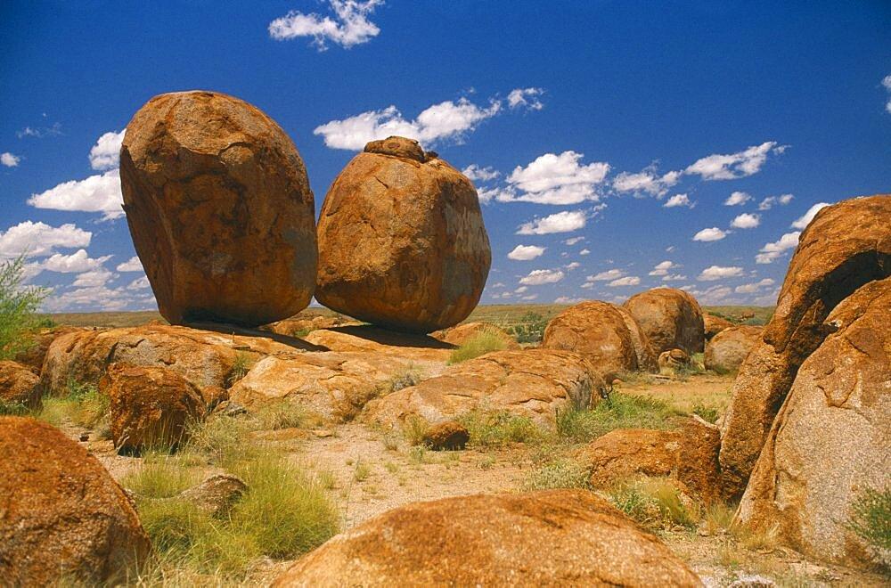 AUSTRALIA Northern Territory Devils Marbles N. P. Huge balancing sandstone boulders.