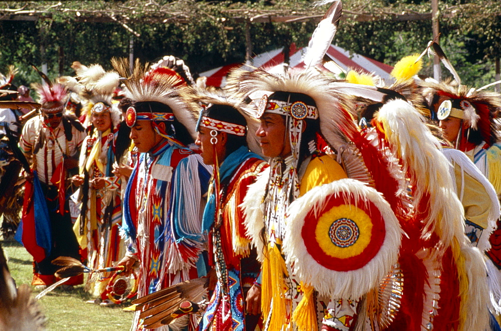 CANADA Alberta Edmonton Native American Indians in full regalia at Pow Wow in  Canadian North America  Canadian North America