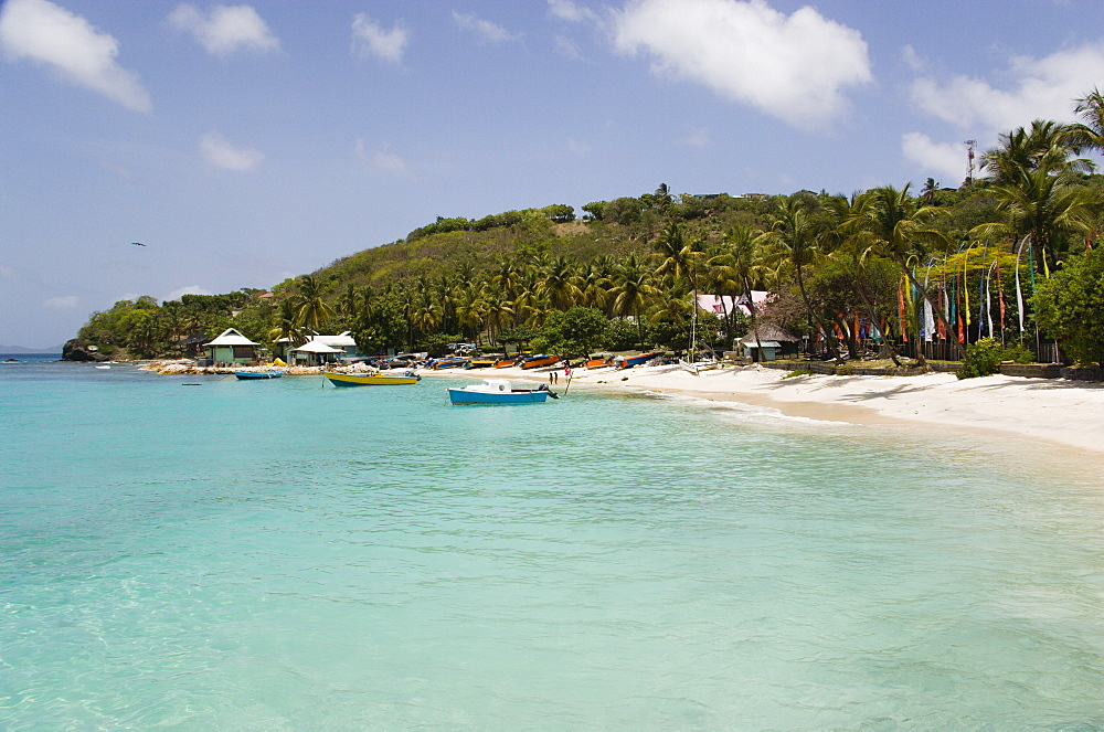 WEST INDIES St Vincent & The Grenadines Mustique Britannia Bay beach