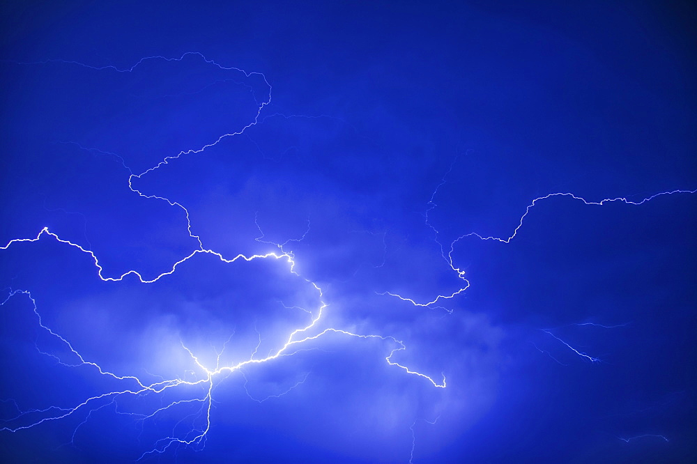 WEATHER Storms Lightning Electric Storm Lightning Blue Flash Electricity Electric Charge Zigzag Storm Natural Shock Sky Night Nite Ecology Entorno Environmental Environnement Green Issues