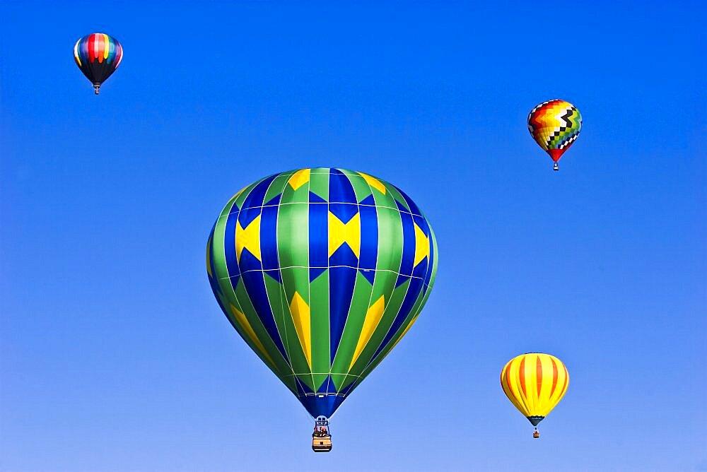 USA, New Mexico, Albuquerque, Balloon Festival. - 797-9854