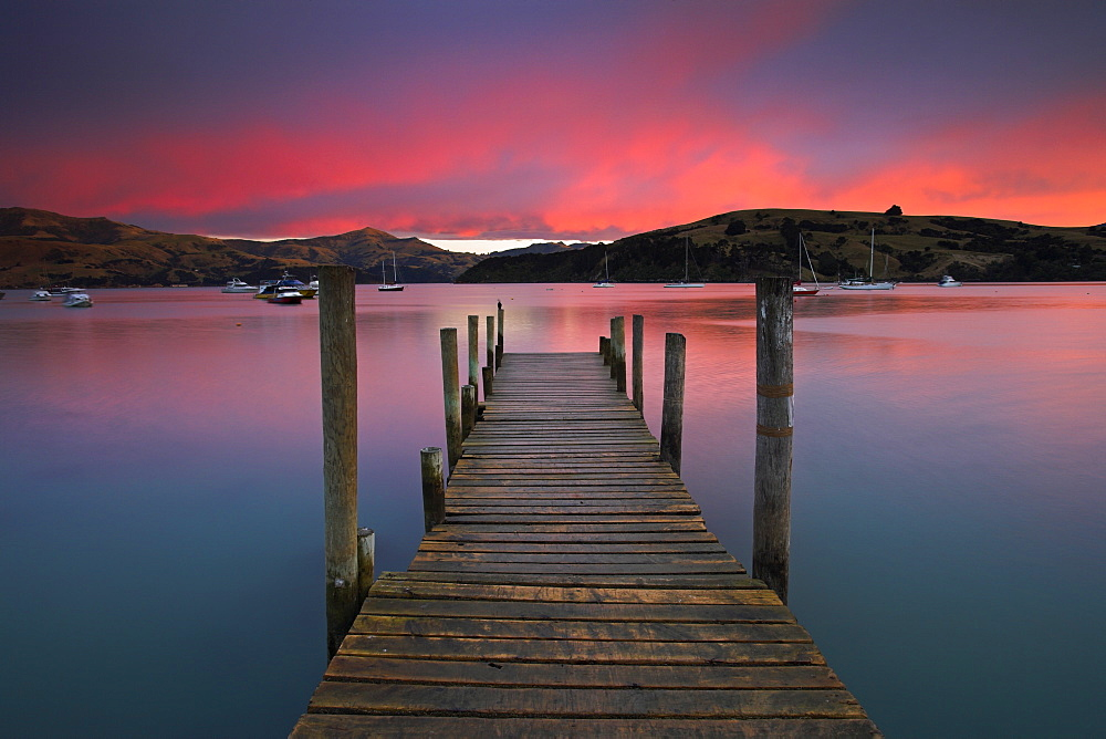 Sunrise over Akaroa harbour, Banks Peninsula, South Island, New Zealand, Pacific - 799-150