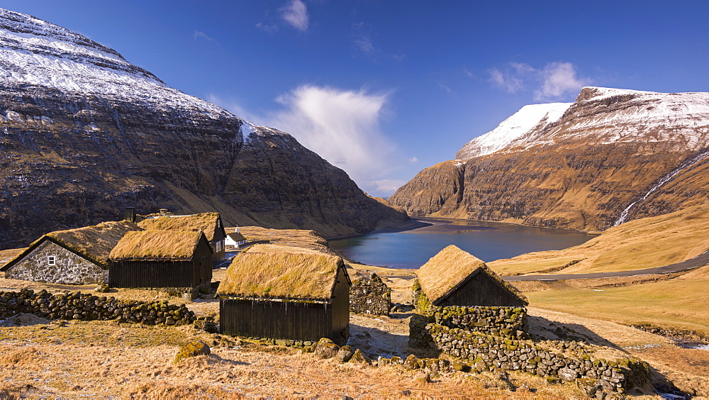 The ancient village of Saksun surrounded by beautiful mountain scenery, Streymoy, Faroe Islands, Denmark, Europe
