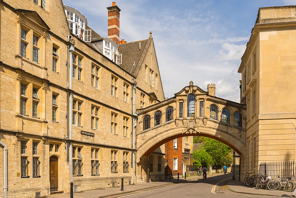 Hertford Bridge (Bridge of Sighs) forming part of Hertford College in Oxford, Oxfordshire, England, United Kingdom, Europe