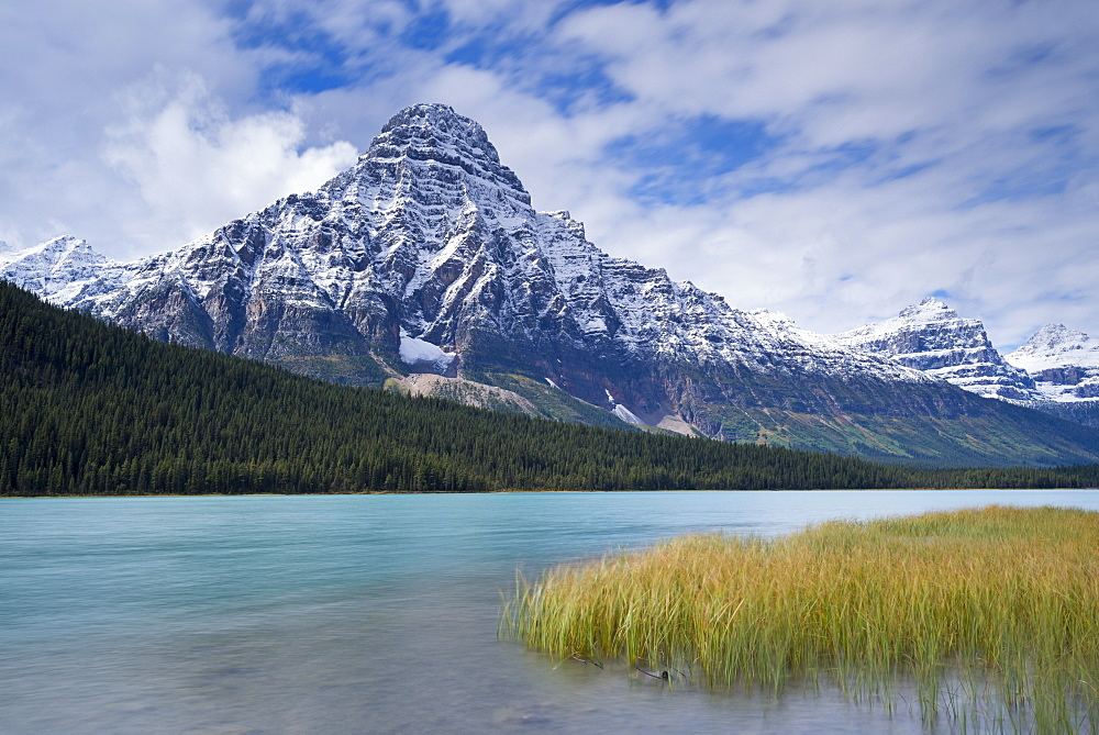 Snow dusted Mount Chephren above Waterfowl Lakes in the Canadian Rockies, Banff National Park, UNESCO World Heritage Site, Alberta, Canada, North America