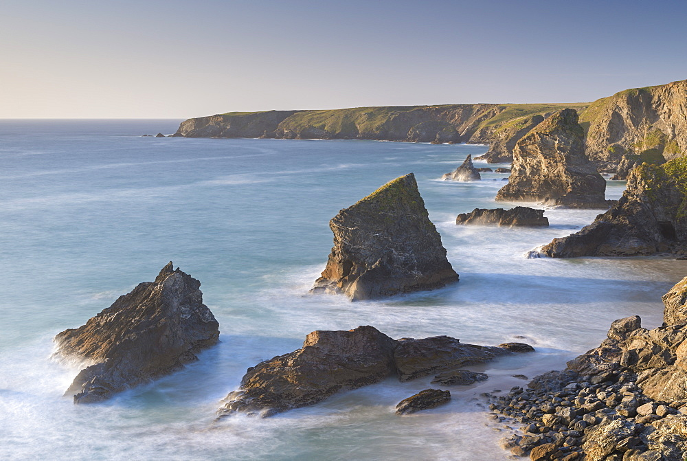 Dramatic coastal scenery at Bedruthan Steps on the North Cornish coast, Cornwall, England. Autumn (September) 2015.