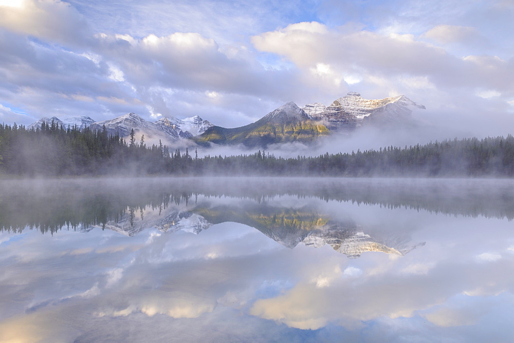 Misty conditions beside Herbert Lake in the Canadian Rockies, Banff Natonal Park, UNESCO World Heritage Site, Alberta, Canada, North America - 799-3401