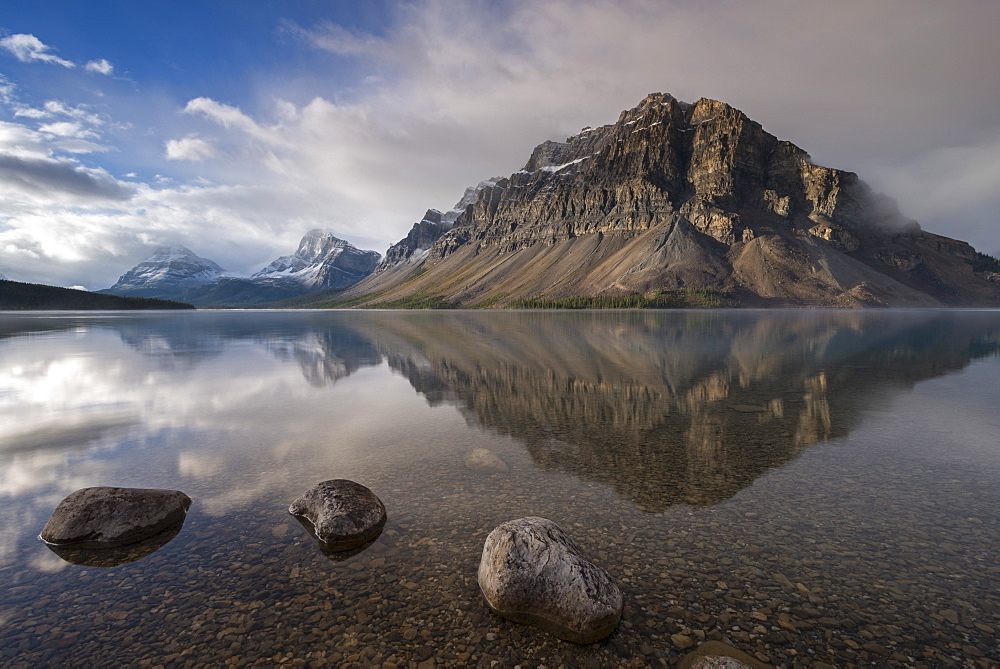 Crowfoot mountain reflection in the mirror still waters of Bow Lake, Banff National Park, UNESCO World Heritage Site, Alberta, Rocky Mountains, Canada, North America - 799-3407