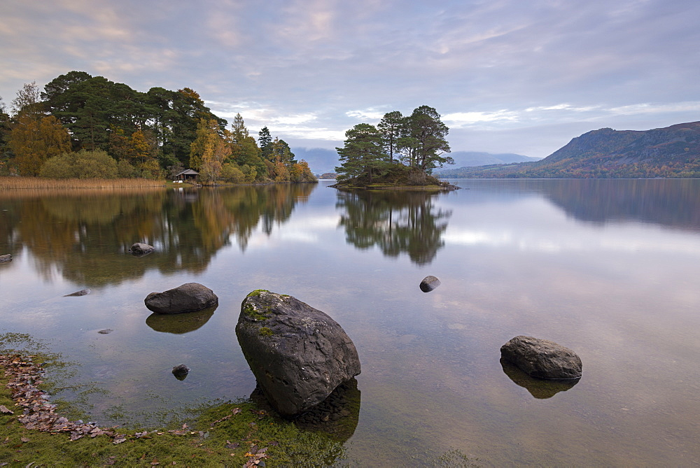 Peaceful shoreline of Derwent Water in the Lake District National Park, Cumbria, England, United Kingdom, Europe - 799-3417