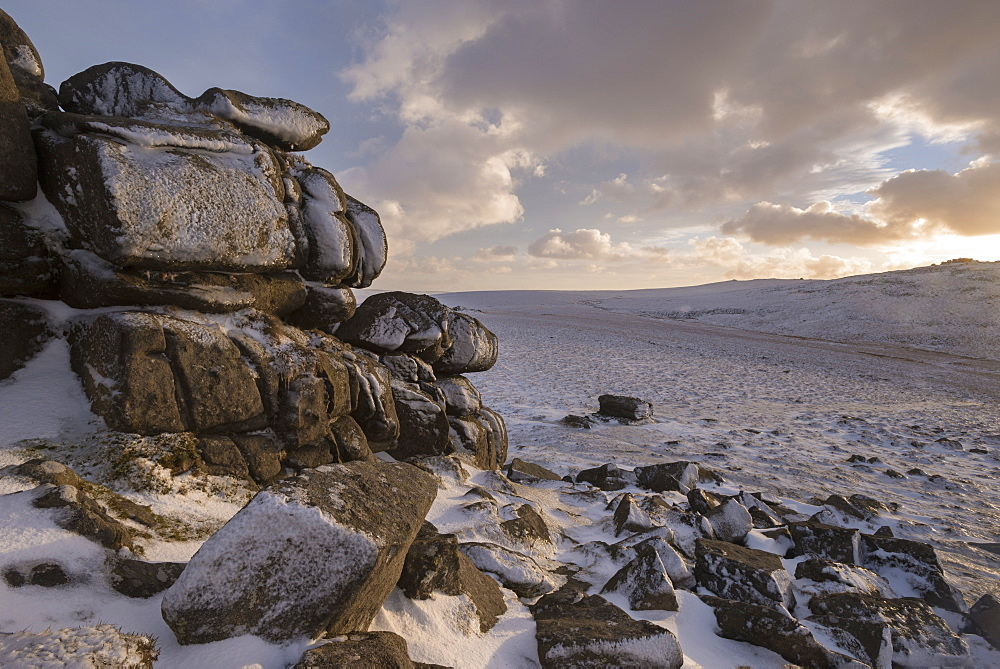 Snow covered granite tor and moorland, West Mill Tor, Dartmoor, Devon, England, United Kingdom, Europe - 799-3492