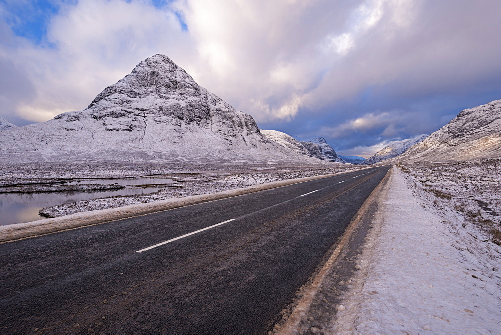 Road through snow covered Rannoch Moor in the Scottish Highlands, Argyll, Scotland, United Kingdom, Europe - 799-3550