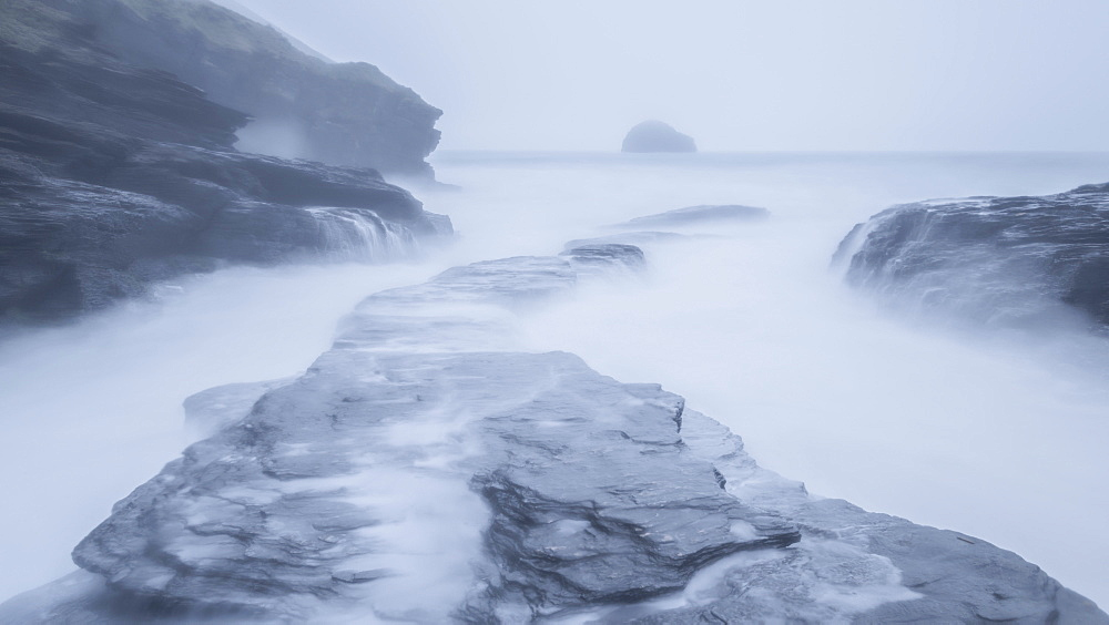 Stormy winter conditions at high tide, Trebarwith Strand, Cornwall, England, United Kingdom, Europe - 799-3551