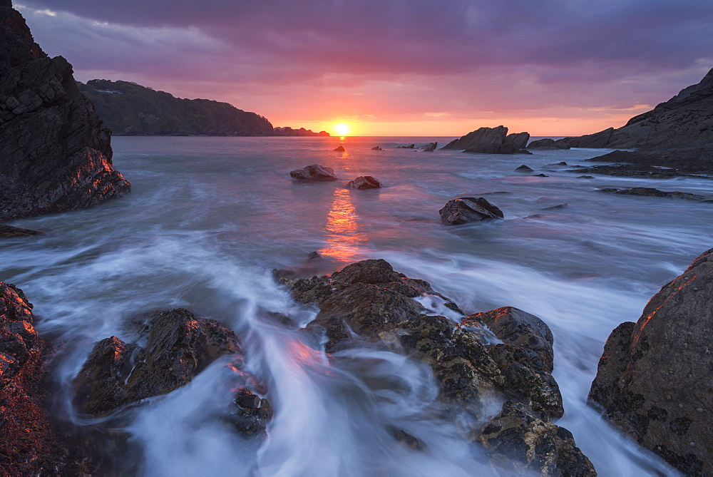 Sunset over the rugged shores of Combe Martin on the edge of Exmoor National Park, Devon, England, United Kingdom, Europe - 799-3628