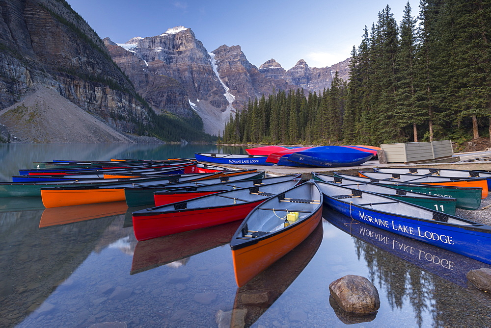 Colouful Canadian canoes on Moraine Lake, Banff National Park, UNESCO World Heritage Site, Alberta, Canada, North America - 799-3642
