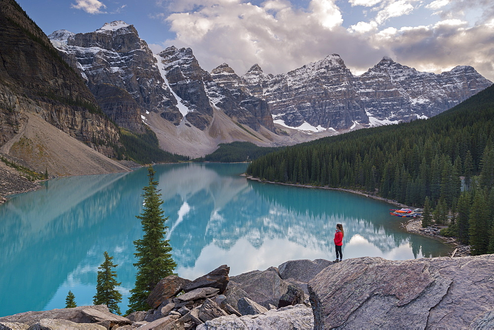 Woman looking over Moraine Lake from the Rockpile, Canadian Rockies, Banff National Park, UNESCO World Heritage Site, Alberta, Canada, North America - 799-3646