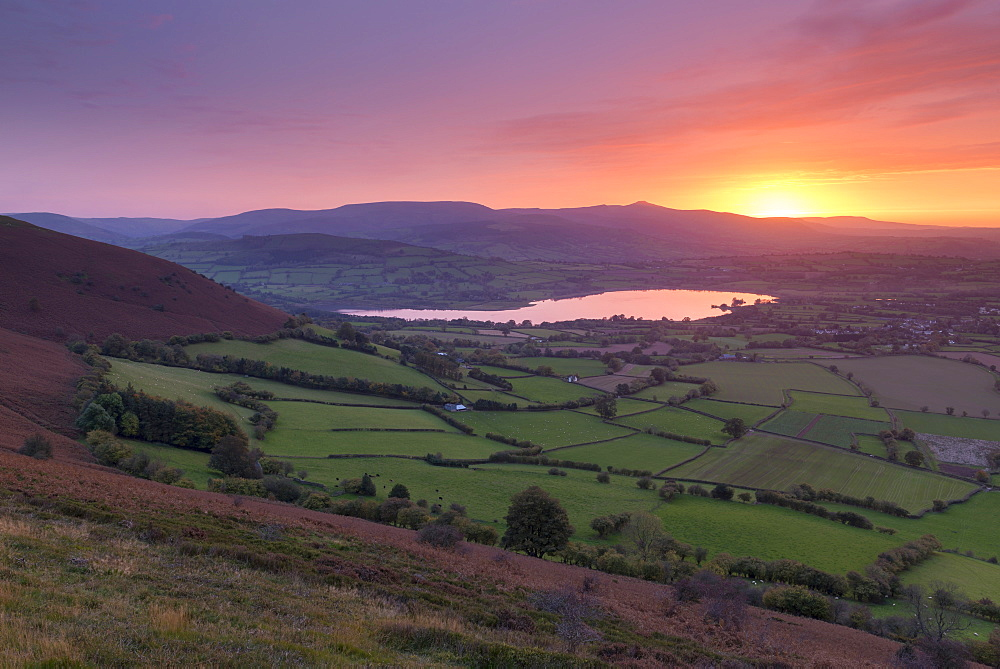Glorious sunset over the Brecon Beacons mountains and Llangorse Lake, Brecon Beacons National Park, Powys, Wales, United Kingdom, Europe - 799-3674