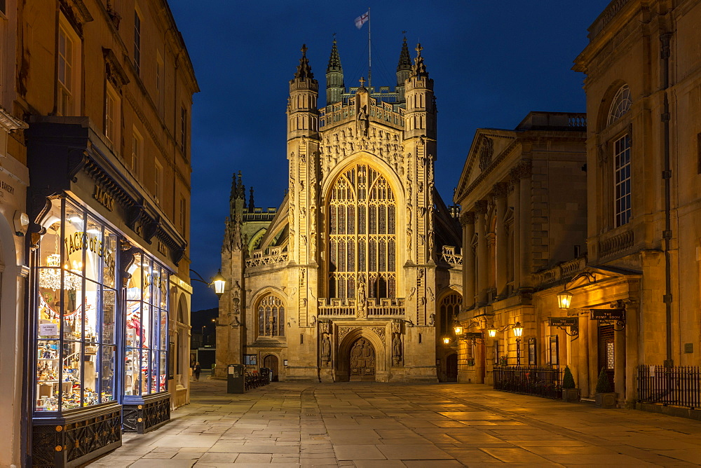 Night time view of Bath Abbey from Abbey Churchyard, Somerset, England. Summer (June) 2019.