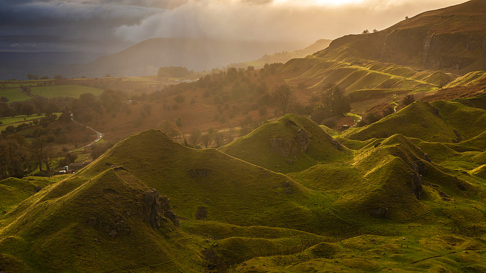 Sunrise over the Llangattock Escarpment in the Brecon Beacons National Park, Powys, Wales. Autumn (October) 2017.