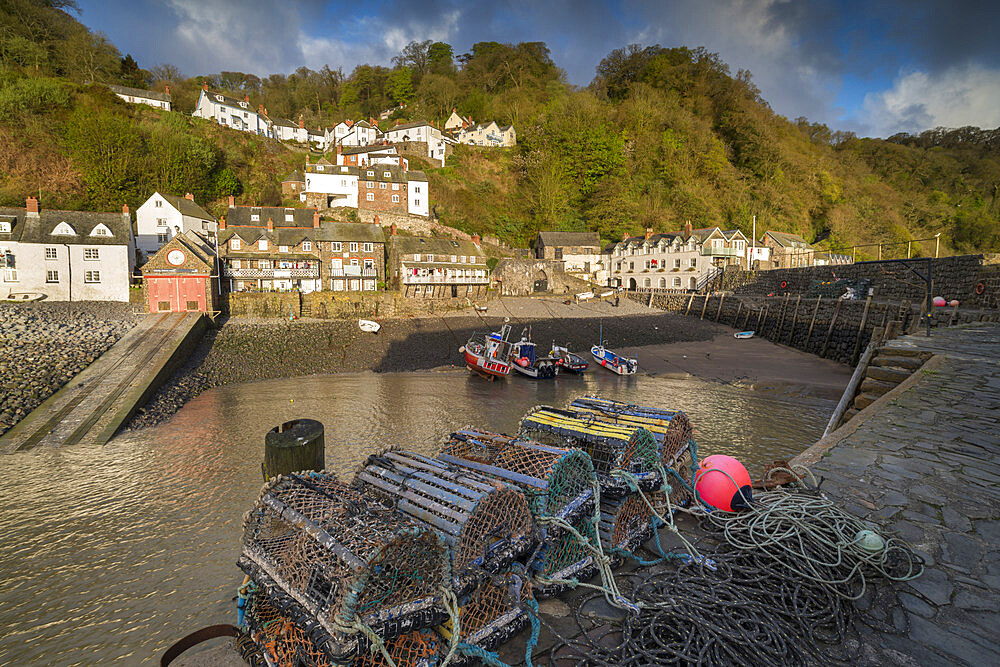 Clovelly harbour at dawn, North Devon, England. Spring (April) 2018.