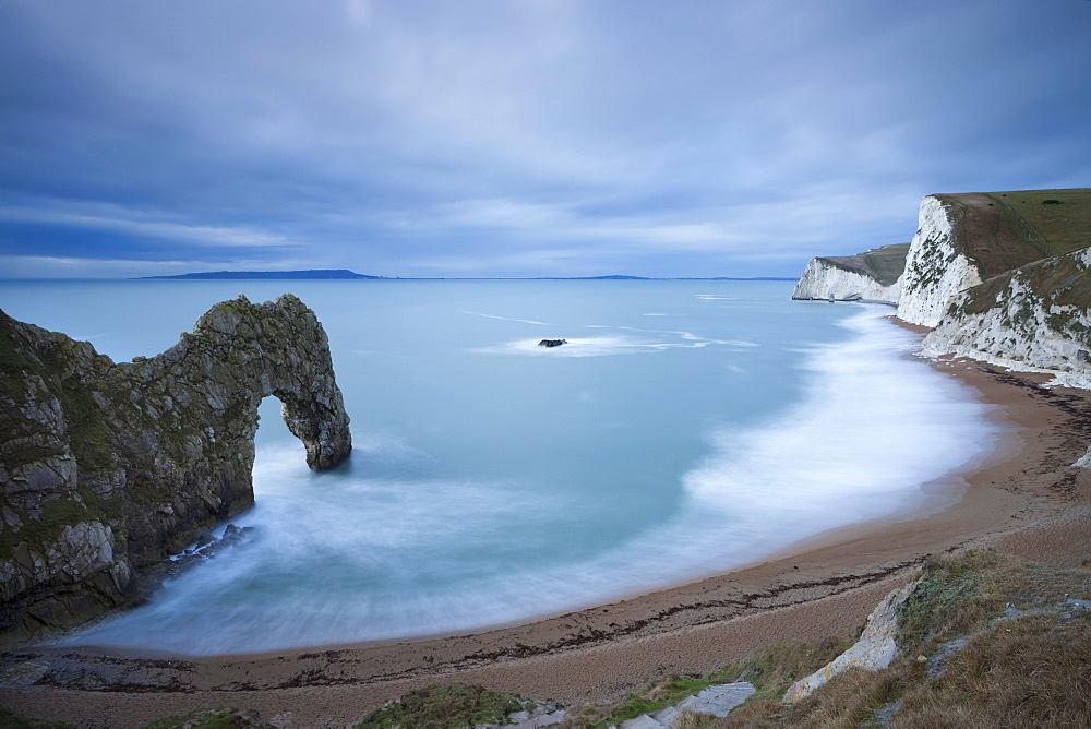 Durdle Door beach on the Jurassic Coast in winter, UNESCO World Heritage Site, Dorset, England, United Kingdom, Europe