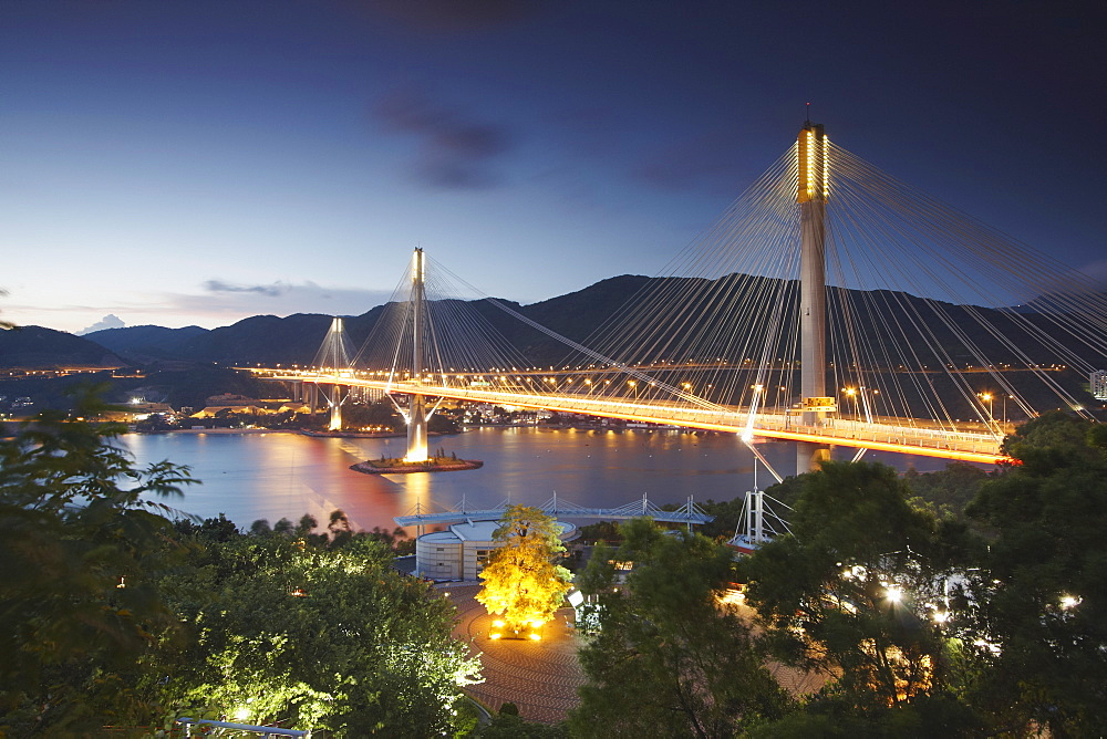 Kap Shui Mun bridge at dusk, Tsing Yi, Hong Kong, China, Asia